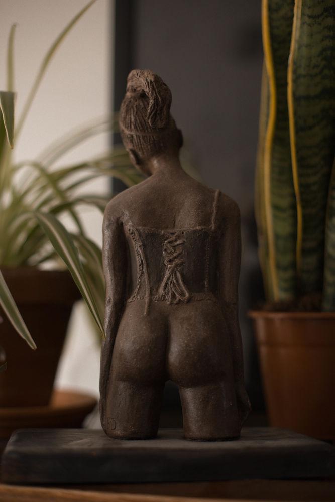 Sculpture femme 40 Lezennes (59)
