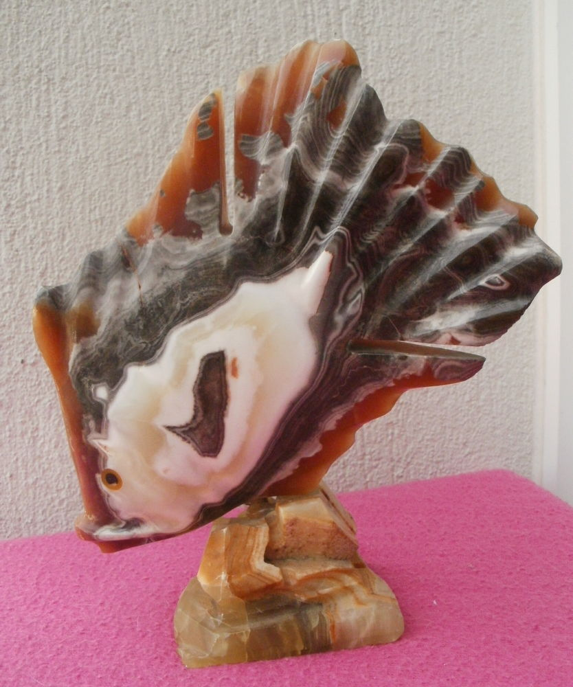 Sculpture d'un poisson en onyx