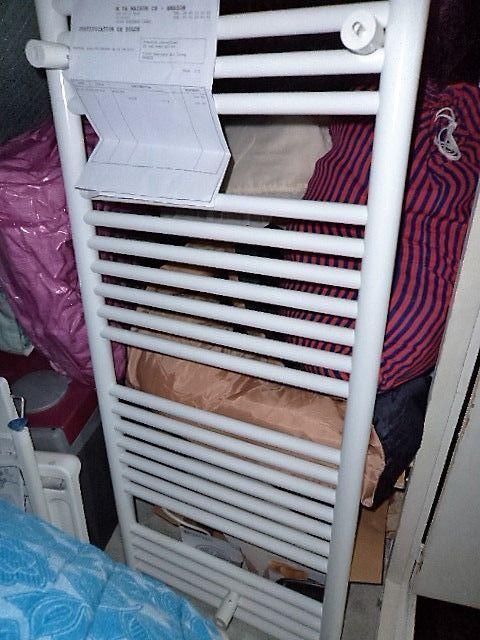 Achetez s che serviettes neuf revente cadeau annonce vente montigny sur - Seche serviette pour chauffage central ...