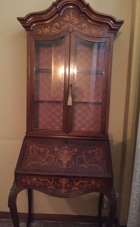 Secrétaire avec vitrine style Louis XV 600 Toulon (83)
