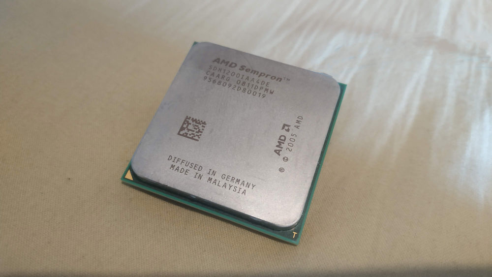 CPU AMD Sempron 5 Roanne (42)
