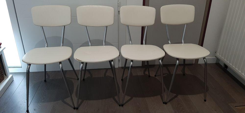 Série de 4 chaises vintage Skaï blanc 95 Le Bouscat (33)