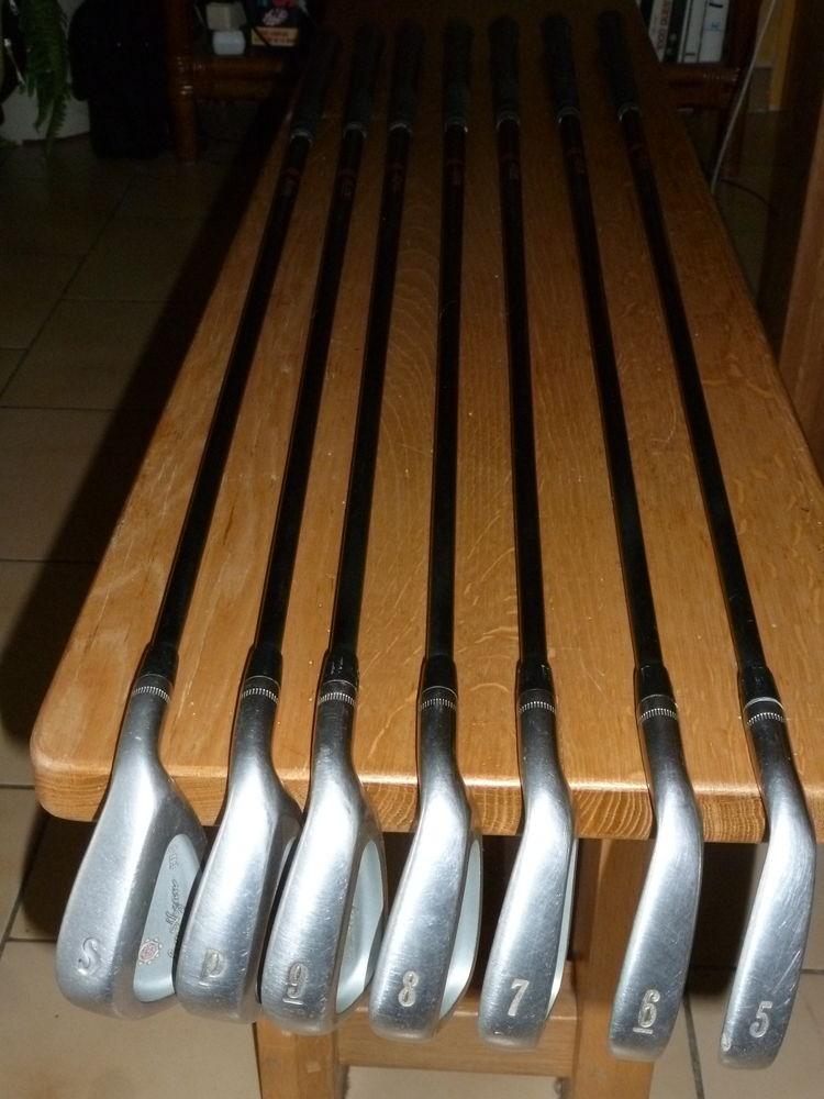 golf occasion dans la loire 42 annonces achat et vente de golf paruvendu mondebarras. Black Bedroom Furniture Sets. Home Design Ideas