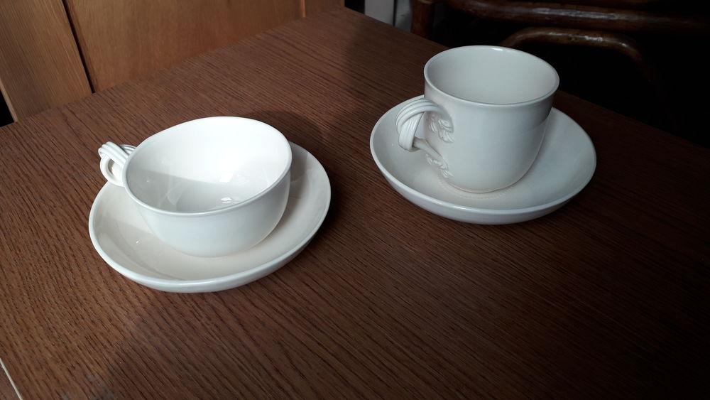 Service thé/café beige . 15 Montigny-le-Bretonneux (78)