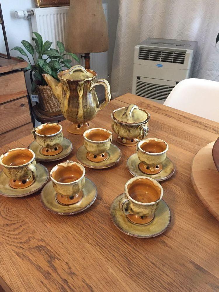 service à café en faïence vernissée Francis bongiovanni Décoration