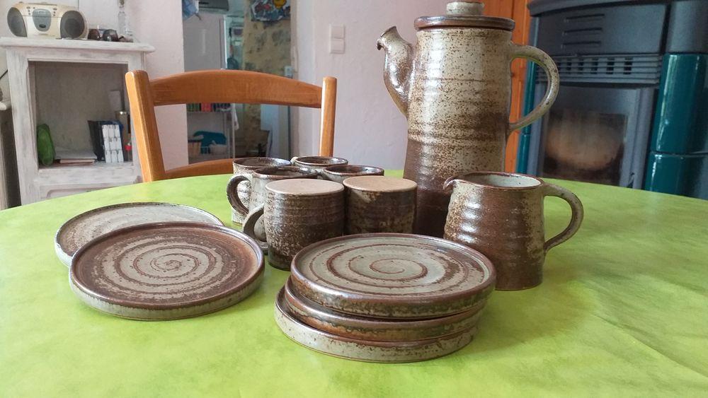 Service à café en grès 45 Communay (69)