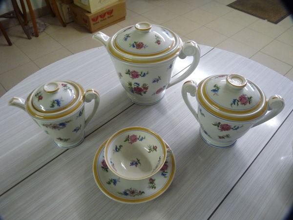 Service à café/thé en porcelaine de limoges 20 Mellecey (71)