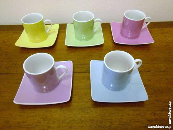Service à café en porcelaine coloris pastel 3 Reims (51)