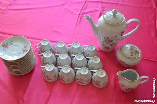Service a café porcelaine Royal Tognana d'Italie 89 Saint-Jean-Lachalm (43)