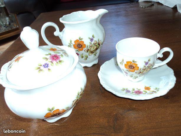 service à café porcelaine  19 Beaucamps-Ligny (59)