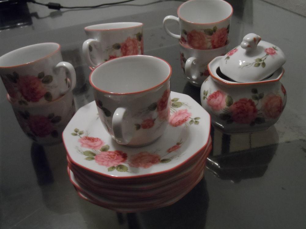 Service à café porcelaine 45 Meyzieu (69)