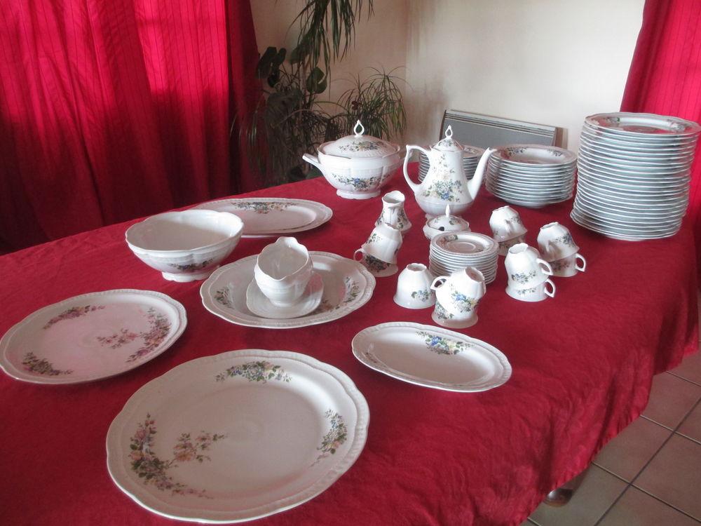 service complet de vaisselle complet en porcelaine  50 Cheix-en-Retz (44)