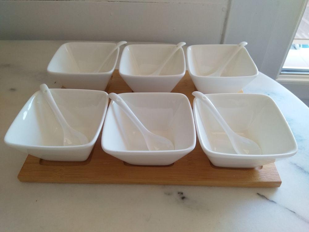 Service de 6 coupelles en porcelaine 18 Tassin-la-Demi-Lune (69)