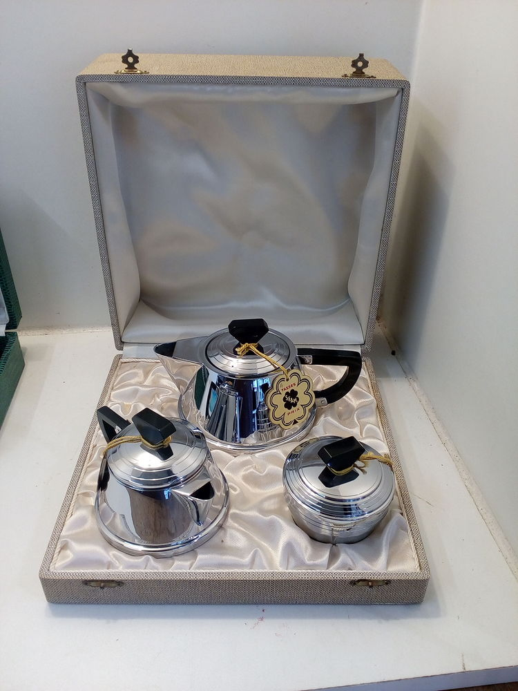 Service à thé inox année 50 30 Toulouse (31)