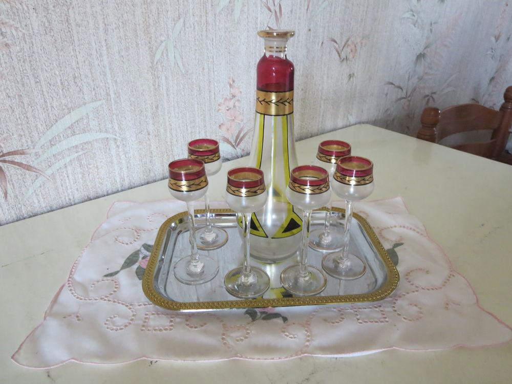 Service à liqueur ancien 15 Trie-sur-Baïse (65)