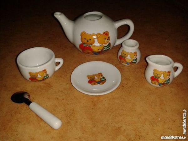Service à thé miniature en porcelaine 20 Savigny-le-Temple (77)