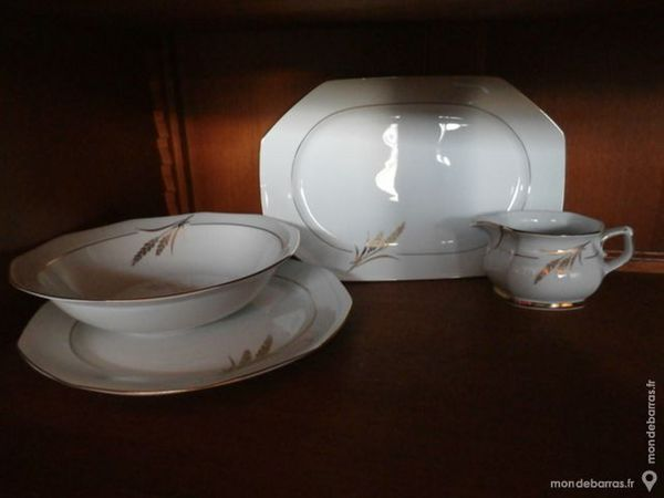 Service en porcelaine doré à l'or fin 70 Beaucaire (30)