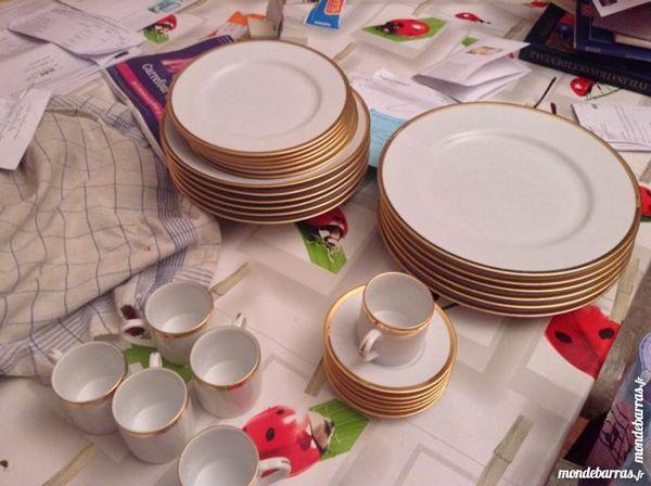 Service en porcelaine fine 30 pièces  ORIALIS 39 Trappes (78)