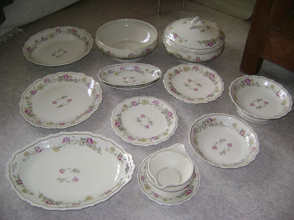 Service en porcelaine de Limoges 350 Montrond-les-Bains (42)