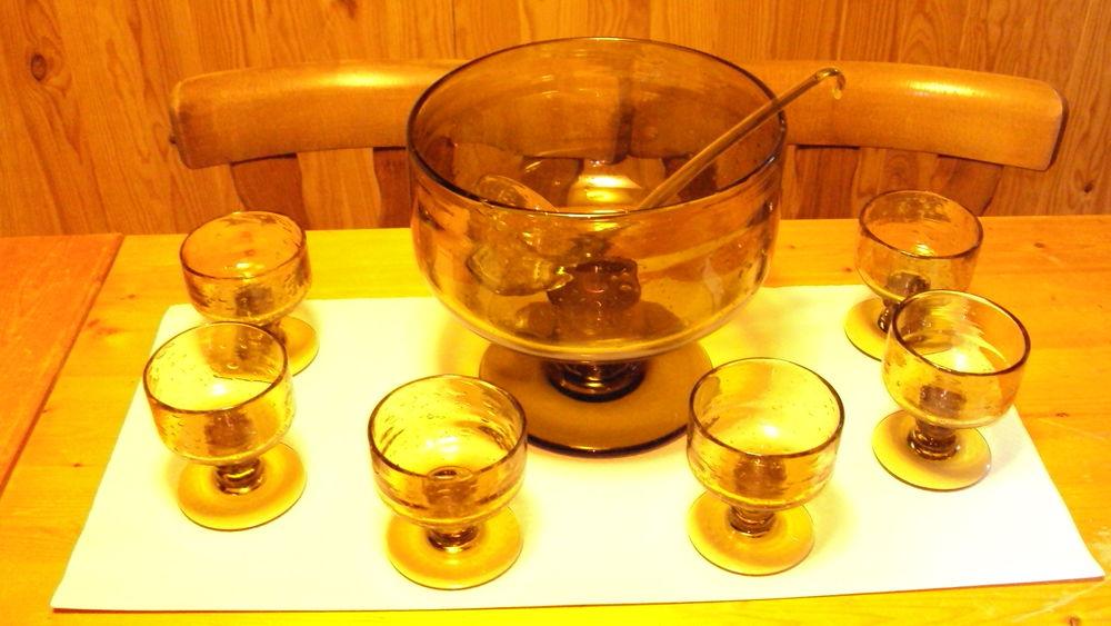 Service a sangria / punch en verre bullé . 150 Duttlenheim (67)