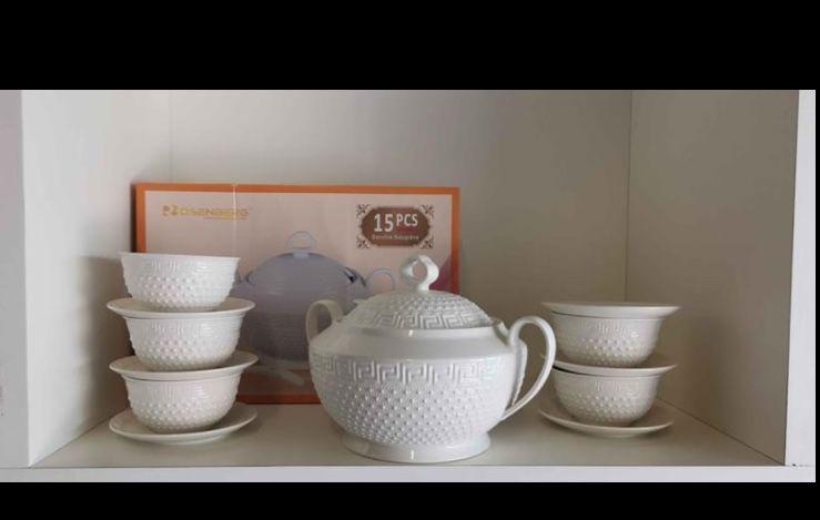 service soupière porcelaine 15 pièces neuves  35 Villeparisis (77)