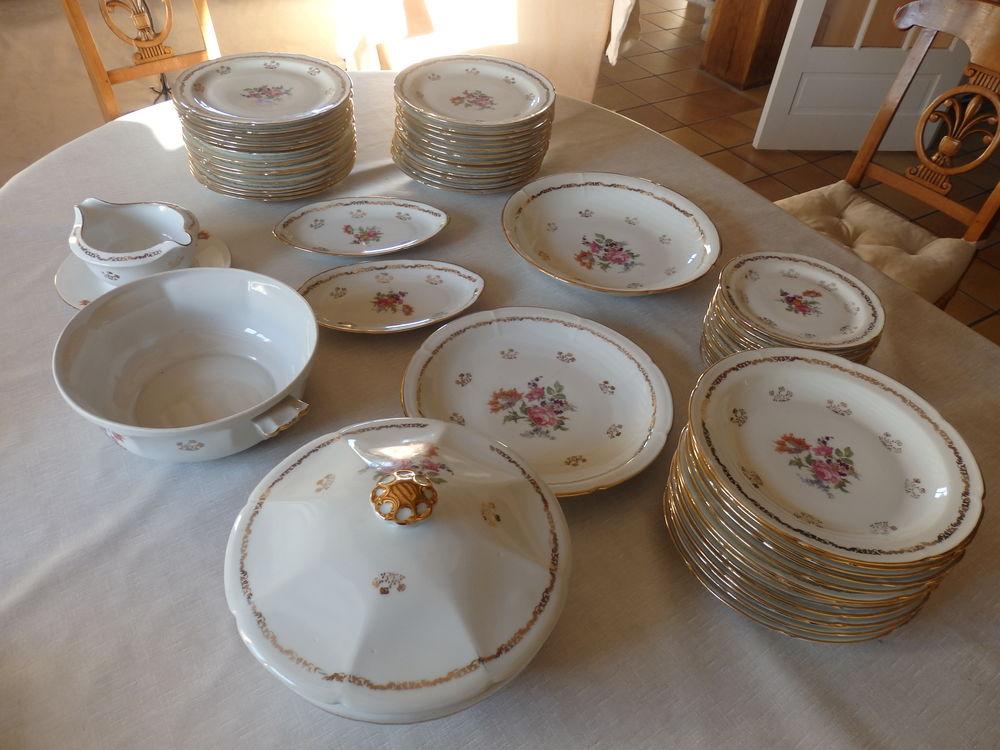 Service de table ancien en porcelaine de Limoges 200 Saint-Rémy-l'Honoré (78)