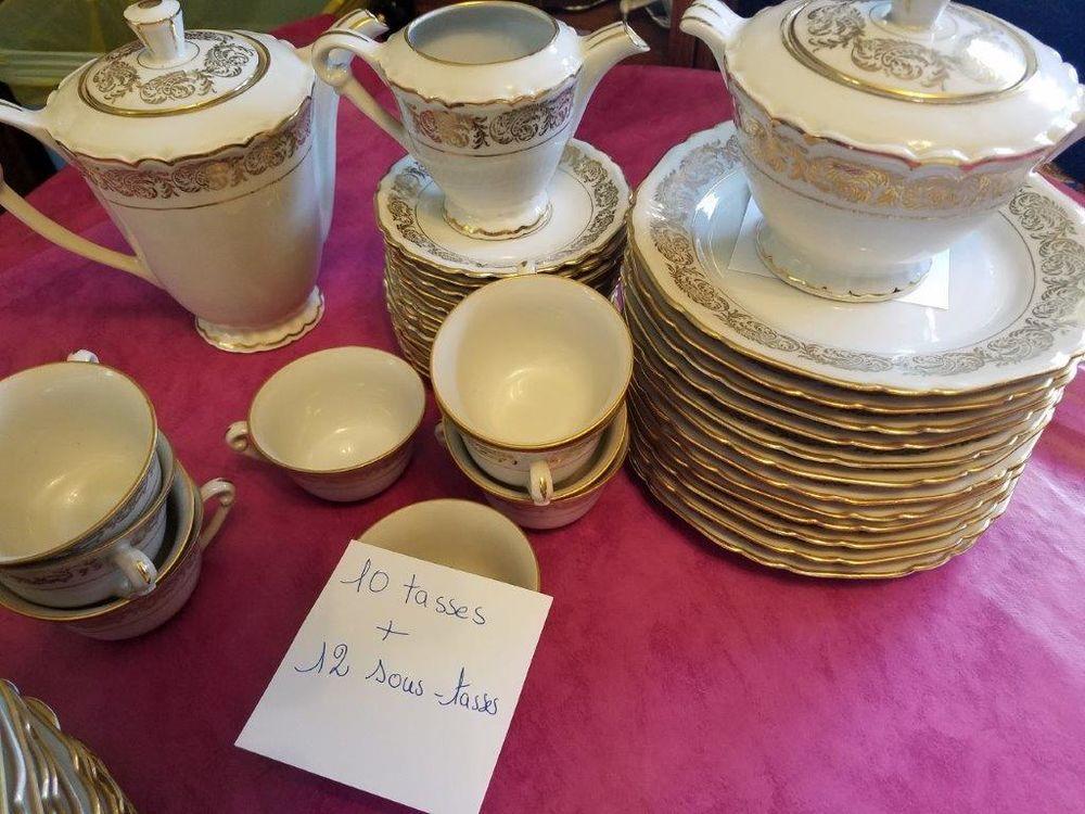 Service de table ancien en porcelaine véritable 55 Torcheville (57)