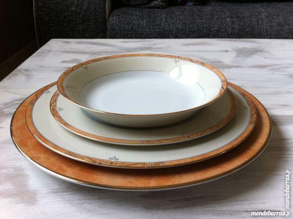 SERVICE DE TABLE COMPLET PHILIPPE DESHOULLIERES 285 Gomelange (57)