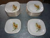 Service de table Gien France Fleurs jaunes marguerite 85 Castres (81)