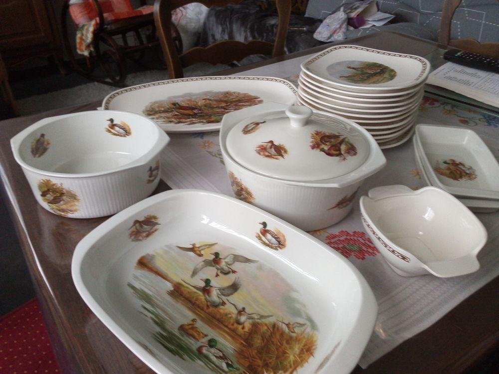 service de table en porcelaine de sarreguemines 70 Artenay (45)
