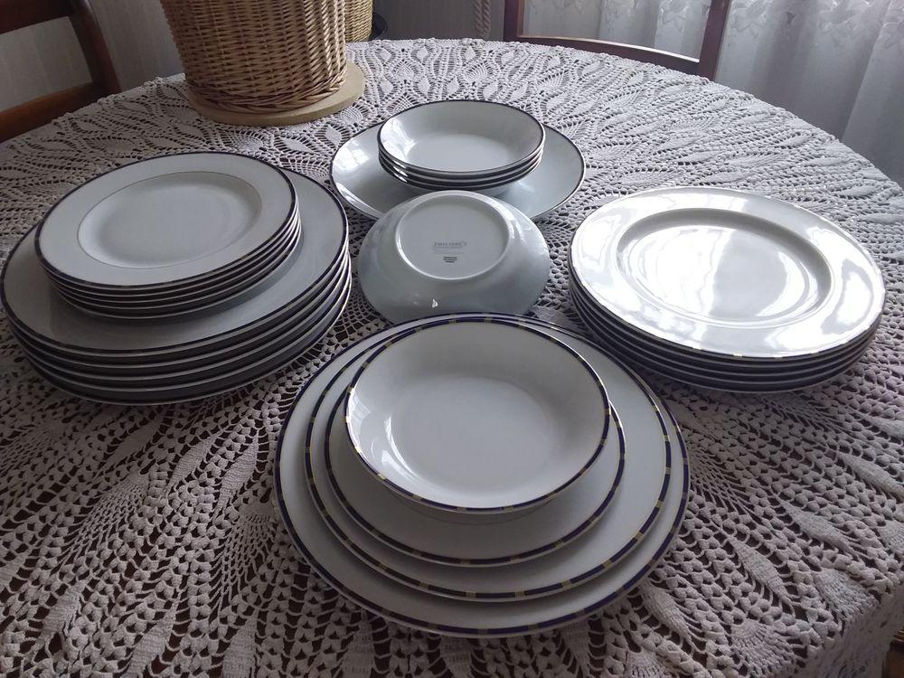 Service de table porcelaine de LimogesPhilippe Deshoulieres  500 Marly-la-Ville (95)