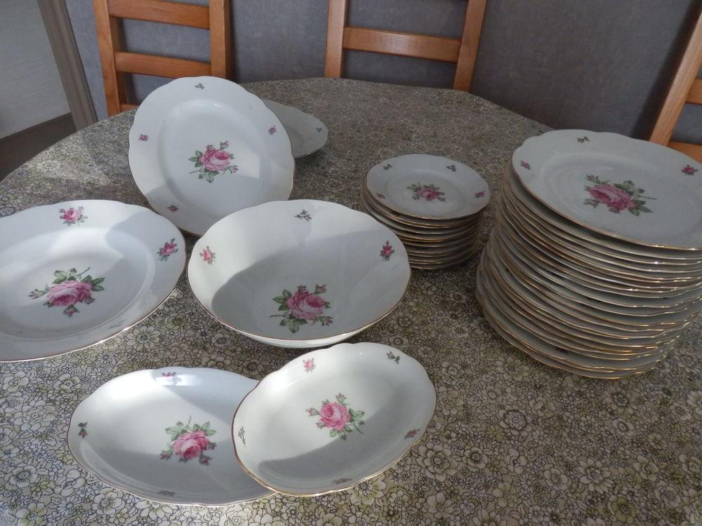 Service de table en porcelaine 98 La Garenne-Colombes (92)