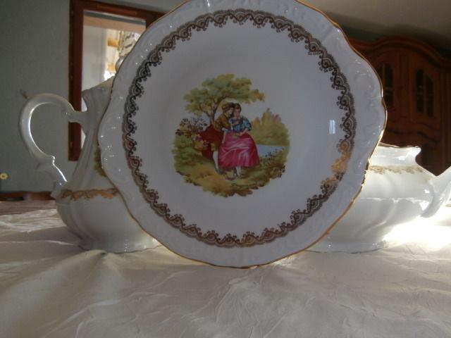 service de table véritable porcelaine 93 pièces Peu servi 193 Martigné-Ferchaud (35)