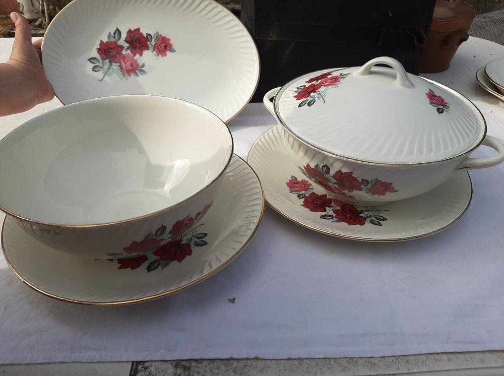 service de table vintage porcelaine  100 Grand-Fougeray (35)