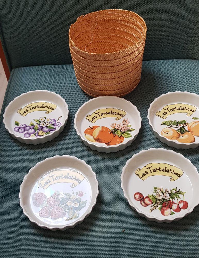 Service à tartelettes en porcelaine 25 Oraison (04)