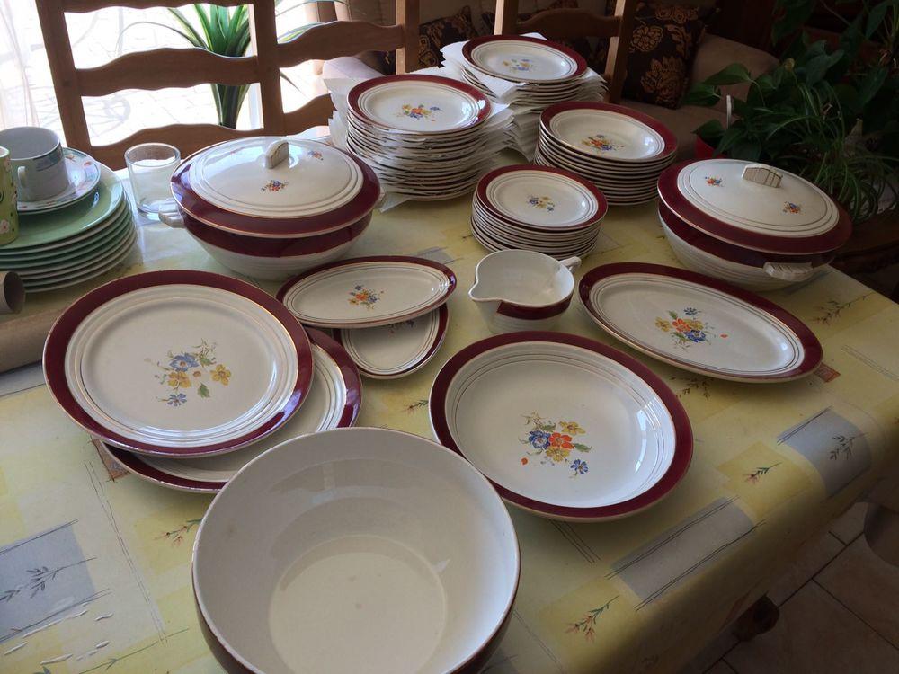 Service de vaisselle en porcelaine  60 Saint-Dionizy (30)