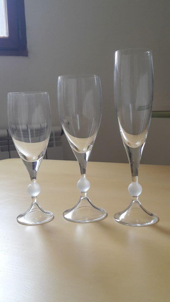 Service de verres  Cristal de Bohême  110 Carnoux-en-Provence (13)