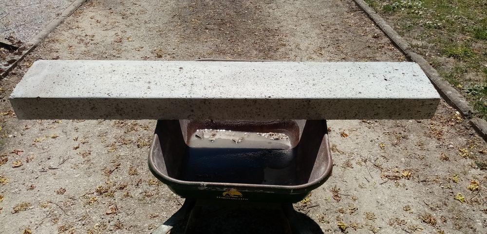 Seuil de porte ou linteau en pierre de taille massif 300 Traînou (45)