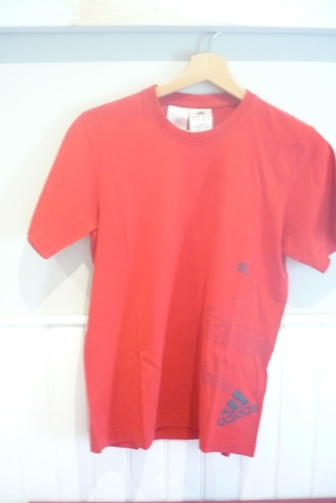 TEE SHIRT ADIDAS ROUGE 14 ANS 8 Le Versoud (38)