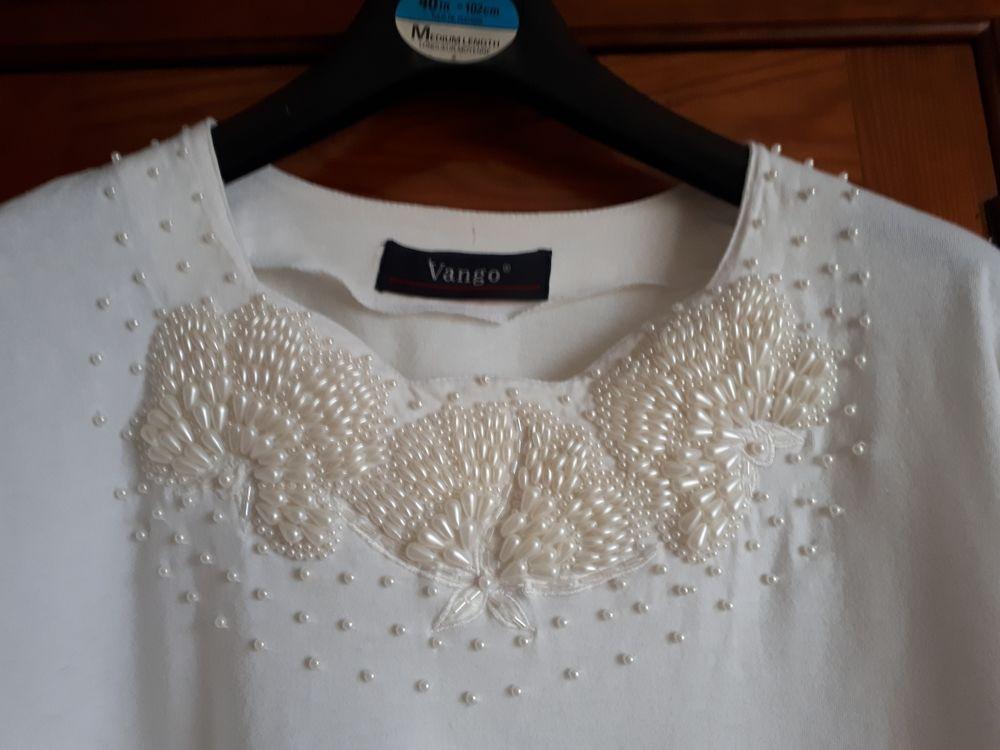 T shirt blanc avec perles VANGO - 40/42 12 Villemomble (93)