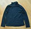 10 ans. Tee shirt bleu marine. Très bon état. 3 euros