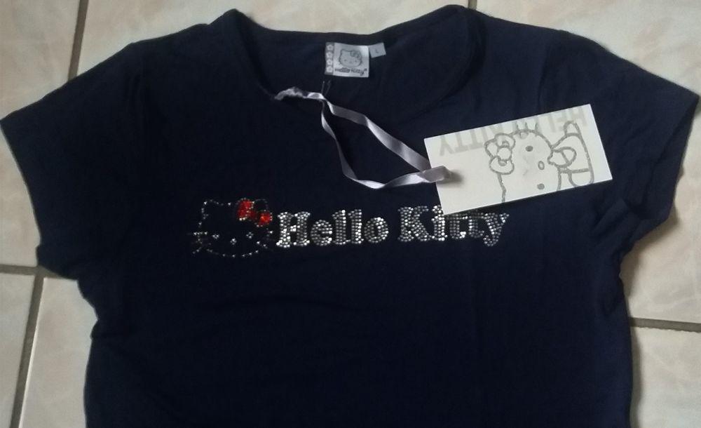 Tee shirt bleu marine et strass Hello Kitty neuf - T 38 - 40 6 Domart-en-Ponthieu (80)