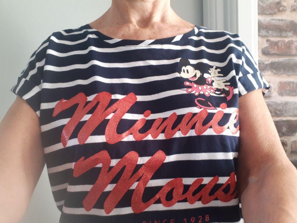 T shirt Disney NEUF SANS ÉTIQUETTE  - L - 12 euros 12 Villemomble (93)