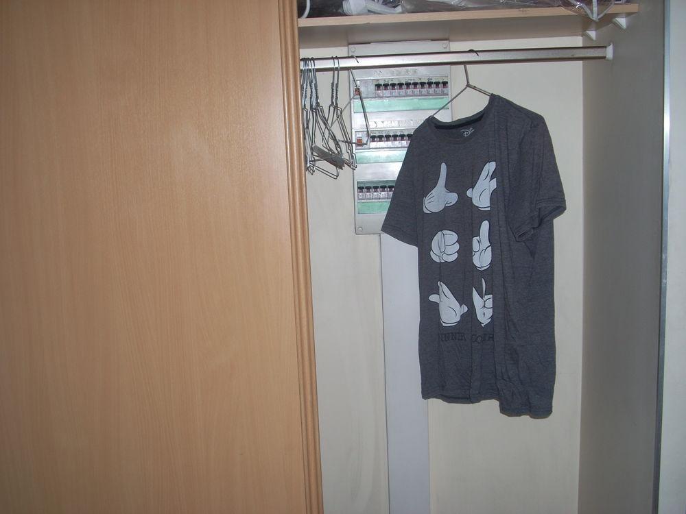 tee-shirt L gris Disney  8 Herblay (95)