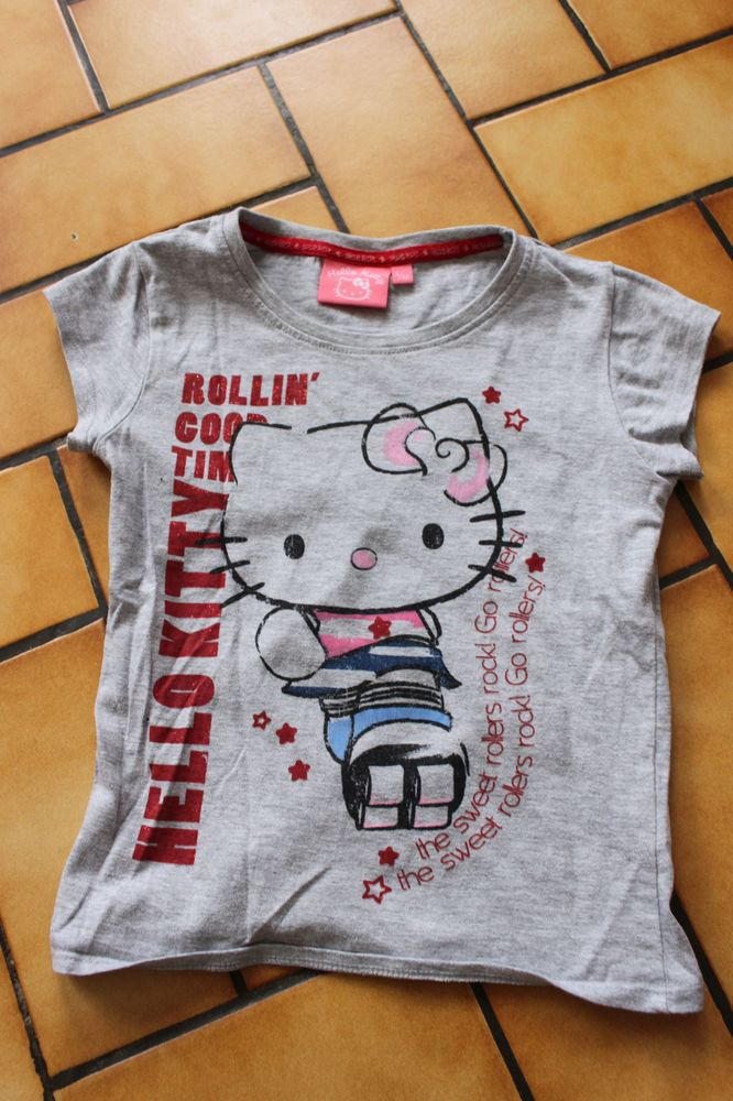 T-shirt gris hello kitty 5/6 ans 4 Wervicq-Sud (59)