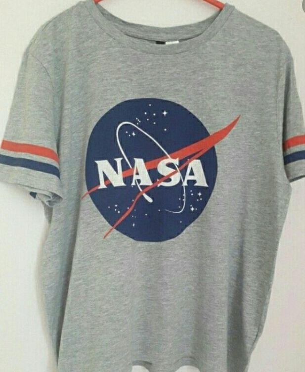 T-shirt gris Nasa . 6 Petit-Bourg (97)