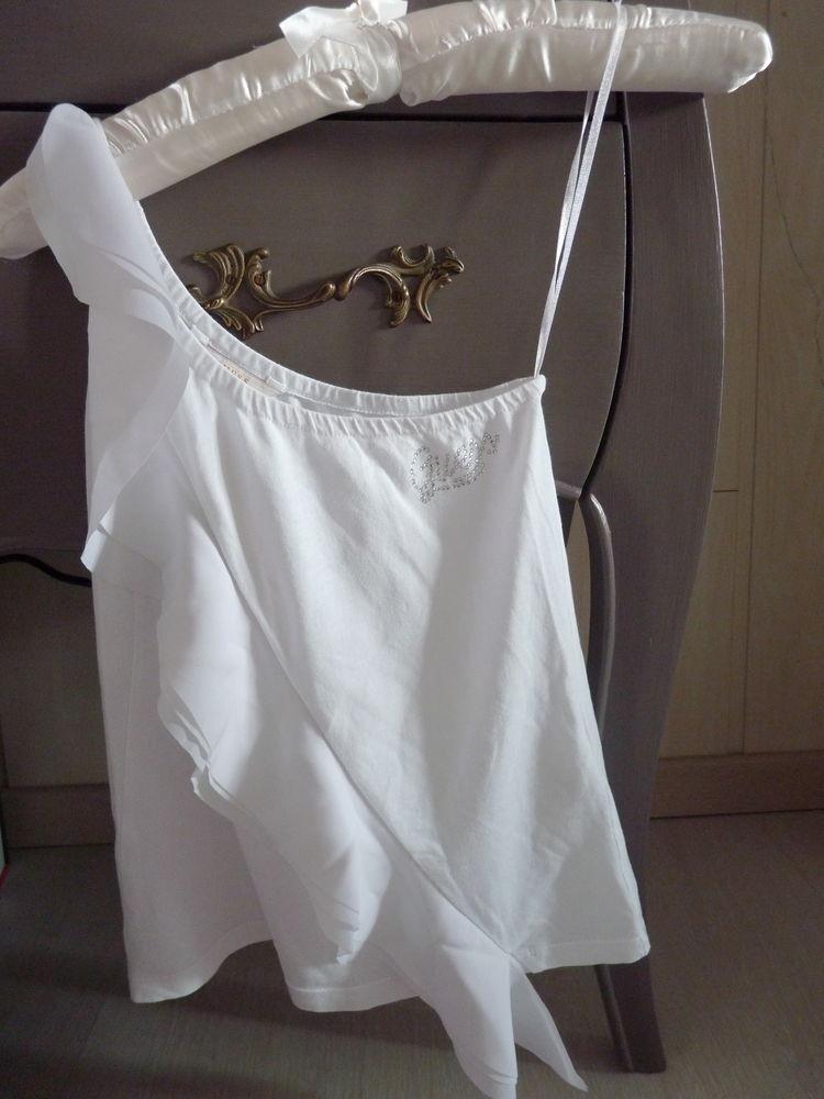 t-shirt GUESS 6 ans fille blanc TBE 10 Brienne-le-Château (10)