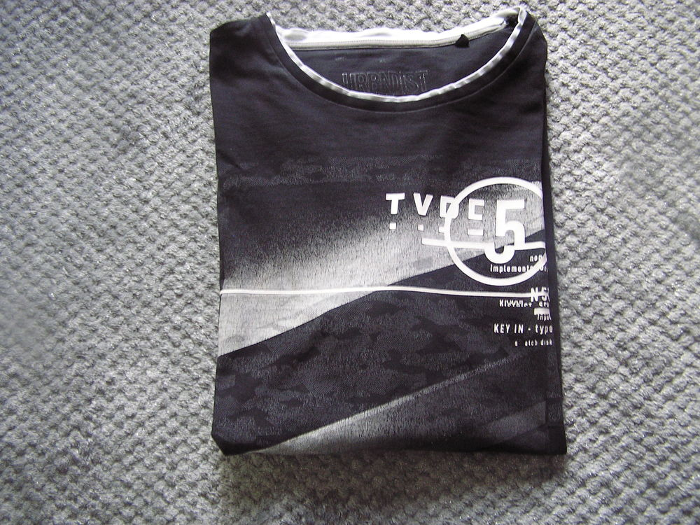 T-SHIRT manches longues, taille L, marque Angelo Litrico (C& 2 Brouckerque (59)