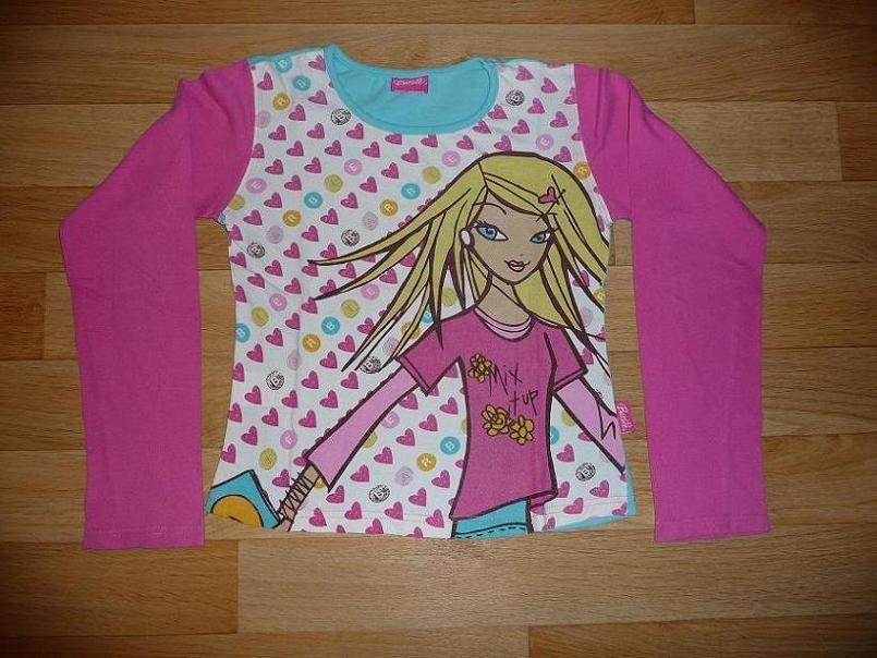 Tee-shirt marque BARBIE taille 10 ans 8 Montigny-le-Bretonneux (78)