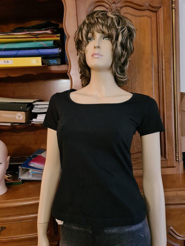 t-shirt noir col trapèze T 38/40 3 Pierrefitte (79)